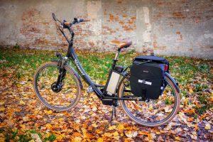 fiets met zelfstandige aandrijving
